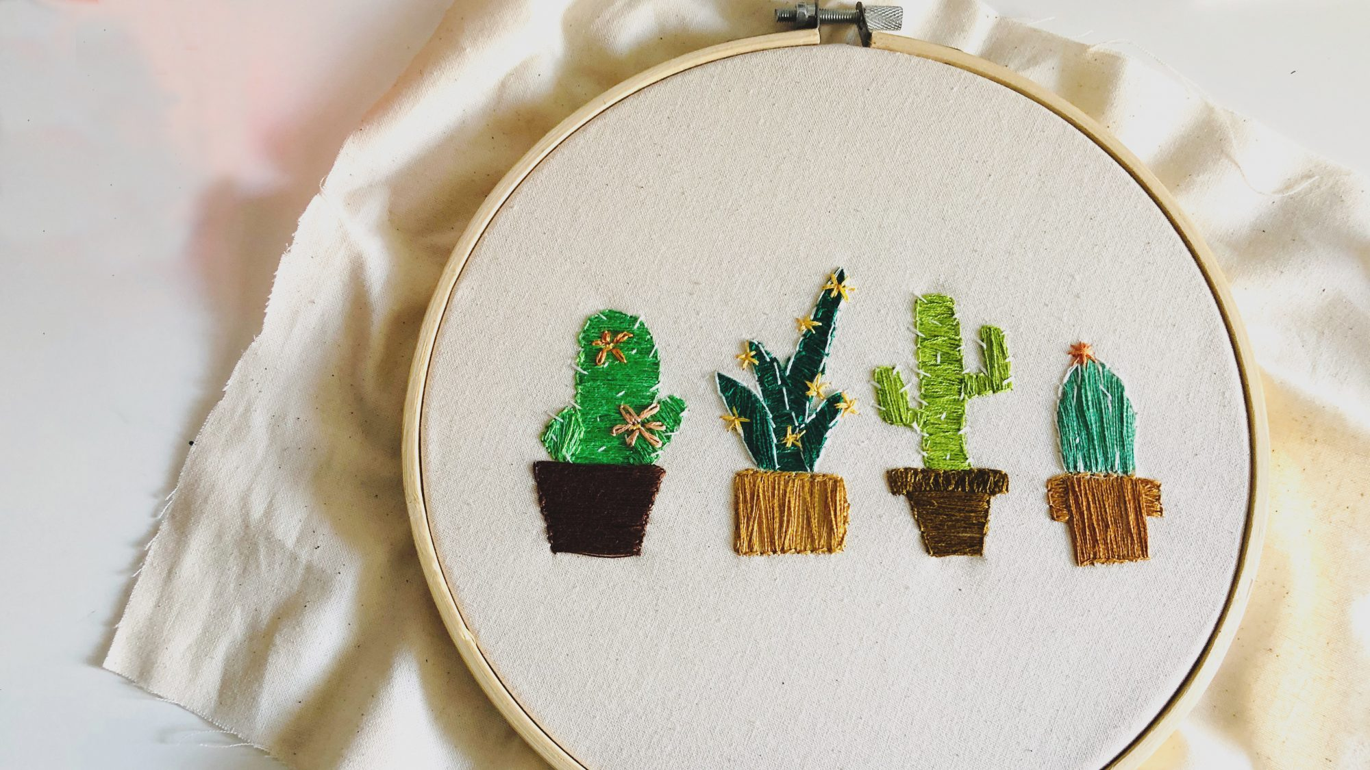 DIY Christmas gifts - ideas for DIY or homemade Christmas and holiday gifts (cross stitch)