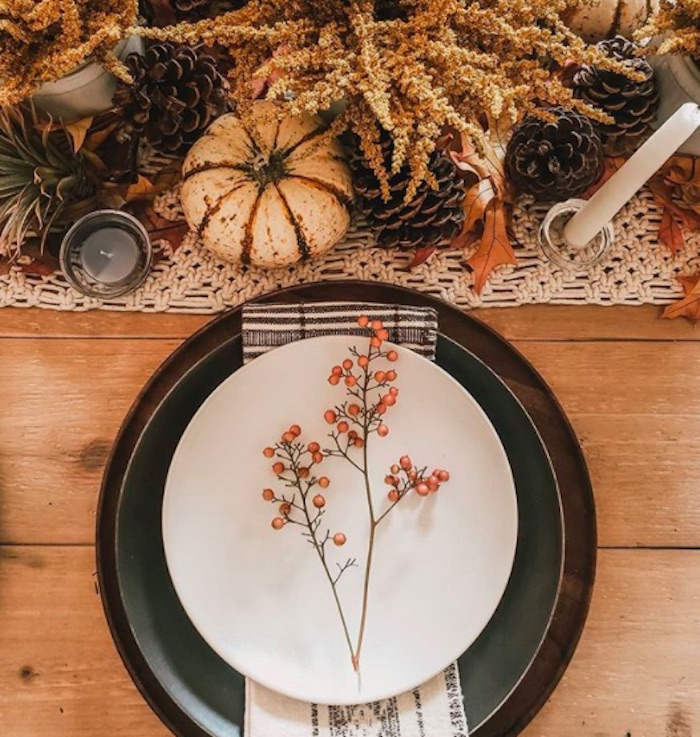 Thanksgiving Table Decor Ideas, Foraged berry branch
