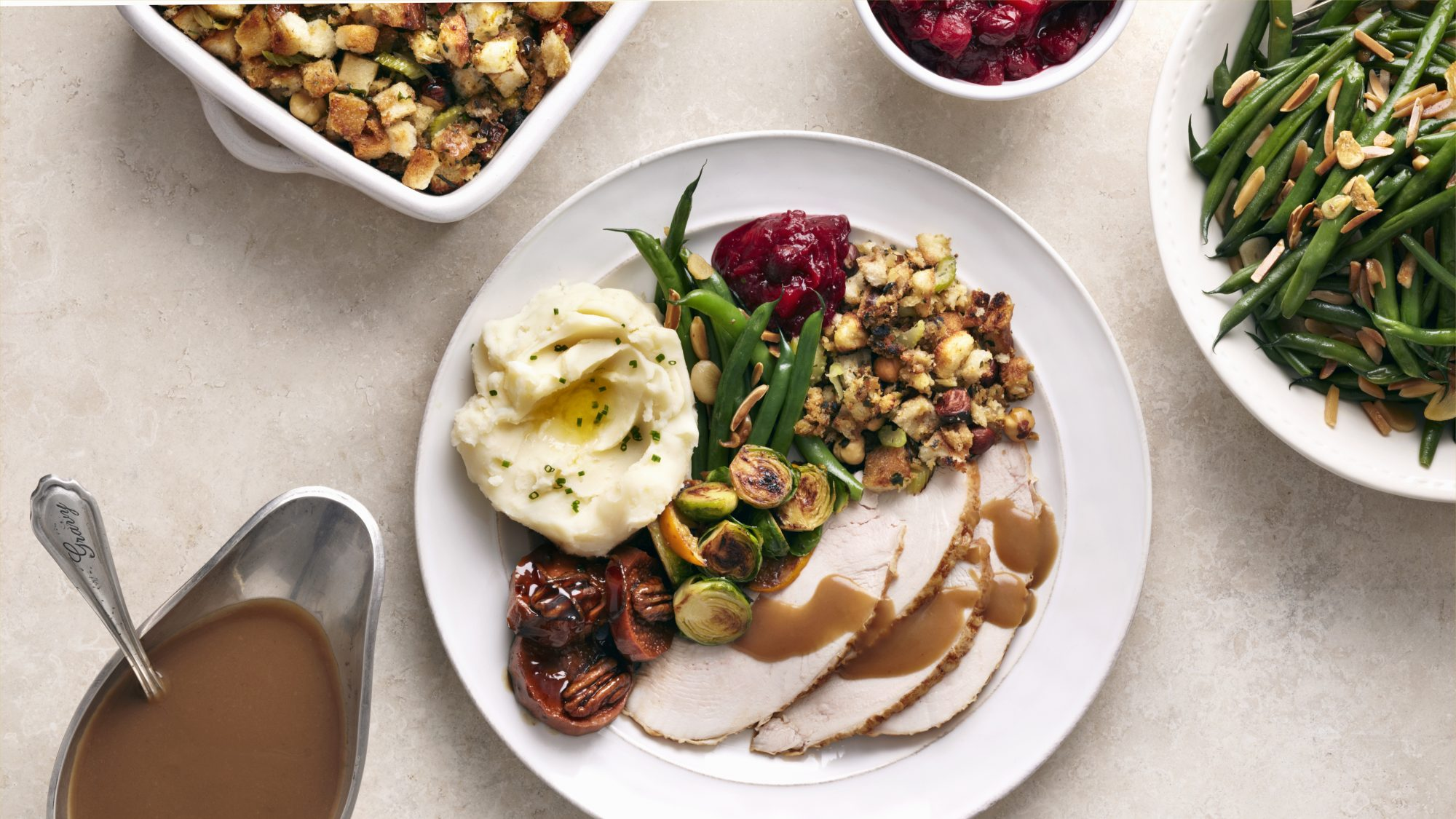 thanksgiving-food-safety-tips: Thanksgiving meal