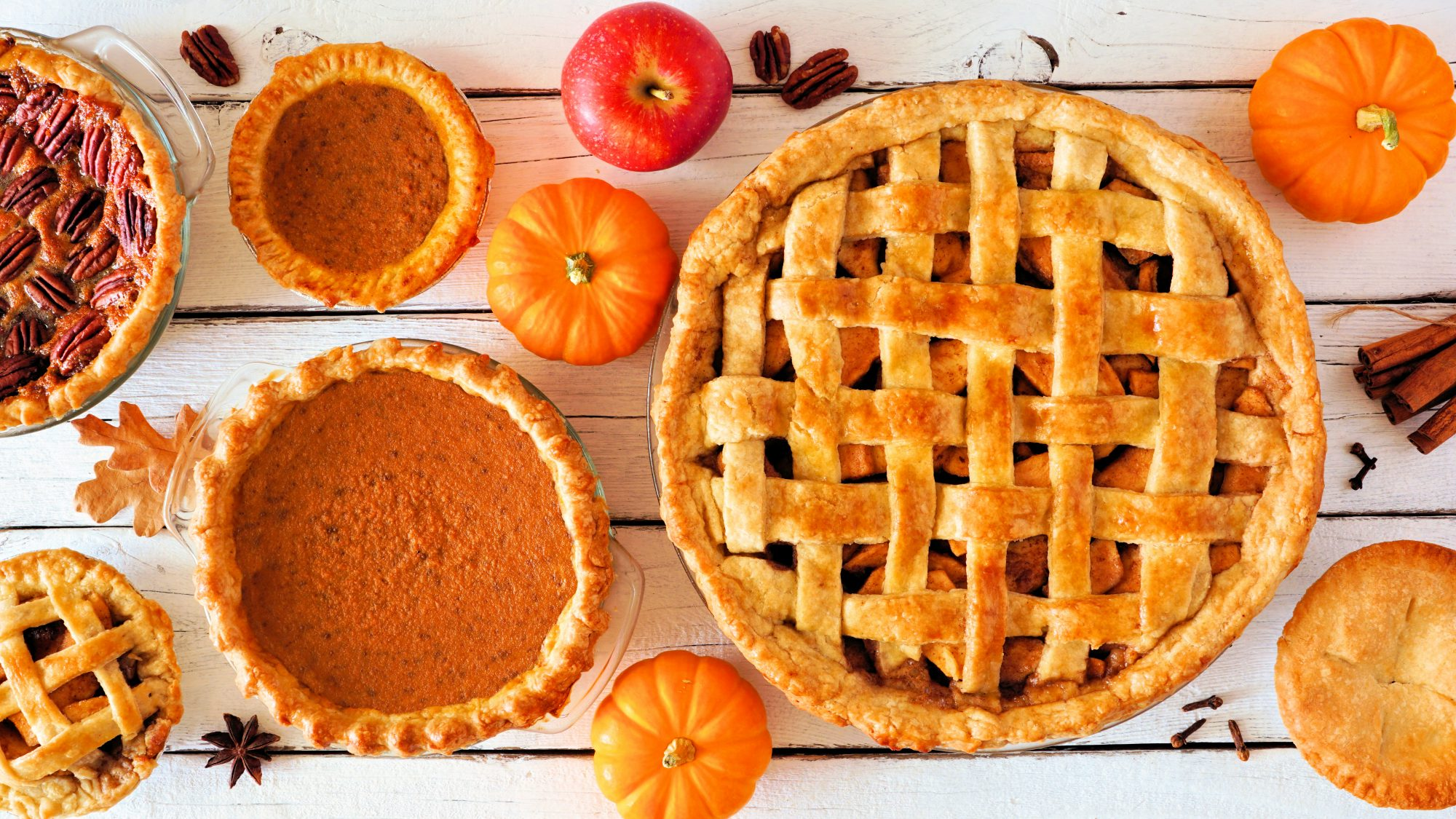 Thanksgiving activities: Things to do at home on Thanksgiving day (pie contest)