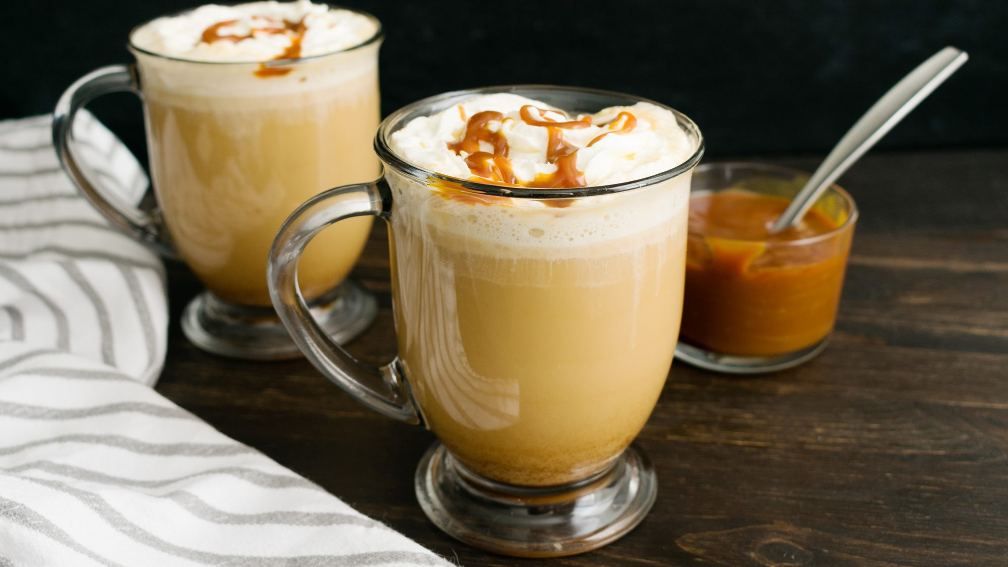 How to Make a Creamy, Comforting Homemade Caramel Latté—With or Without Any Fancy Tools