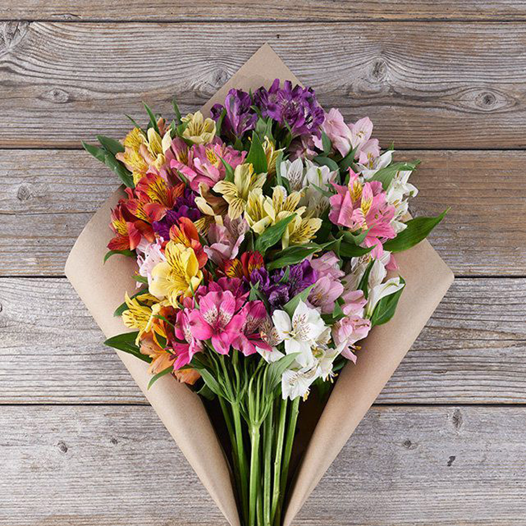 Engagement Gifts Ideas: The Bouqs flower delivery subsription
