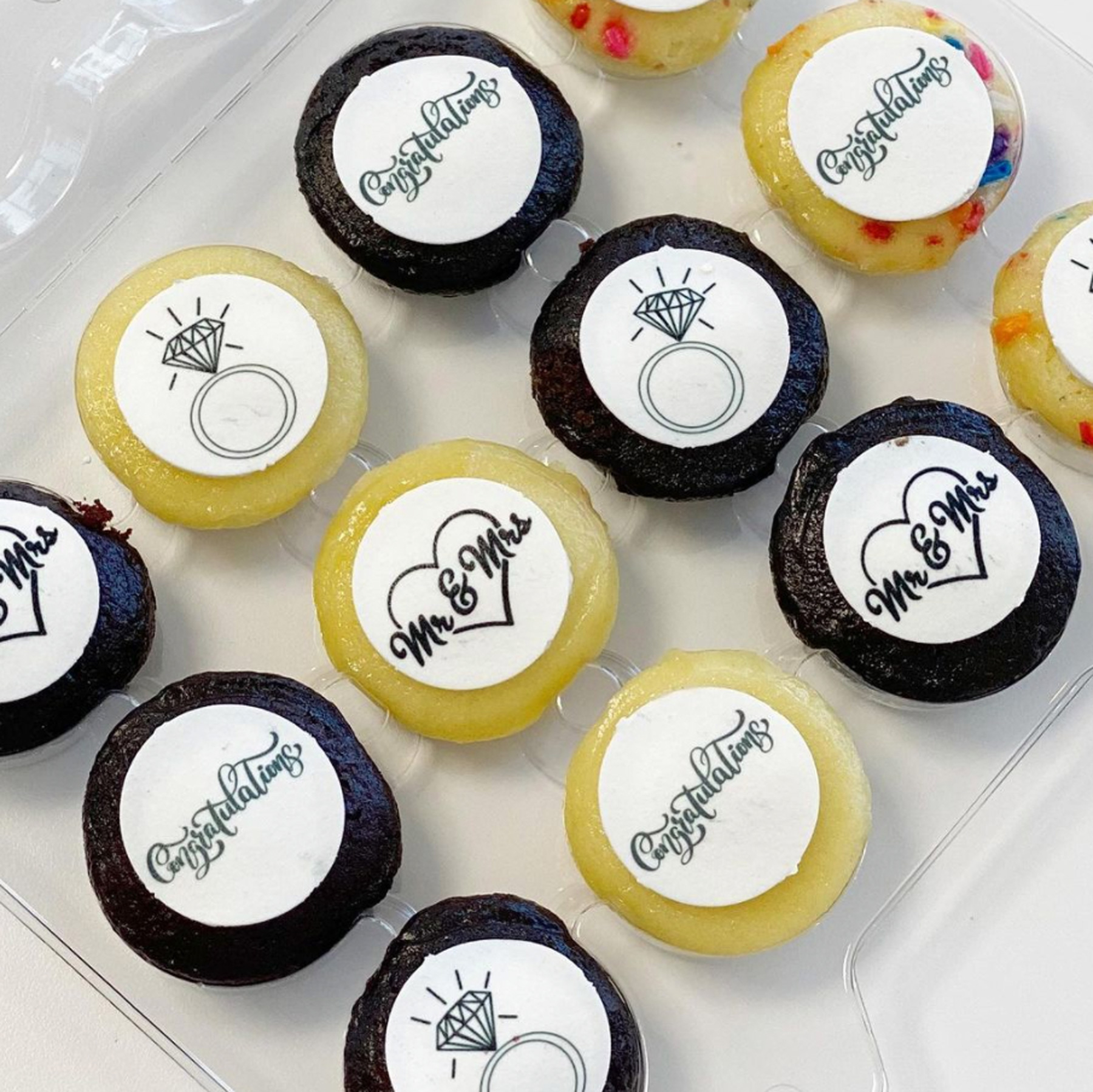 Engagement Gifts Ideas: Spots NYC personalized mini cupcake delivery