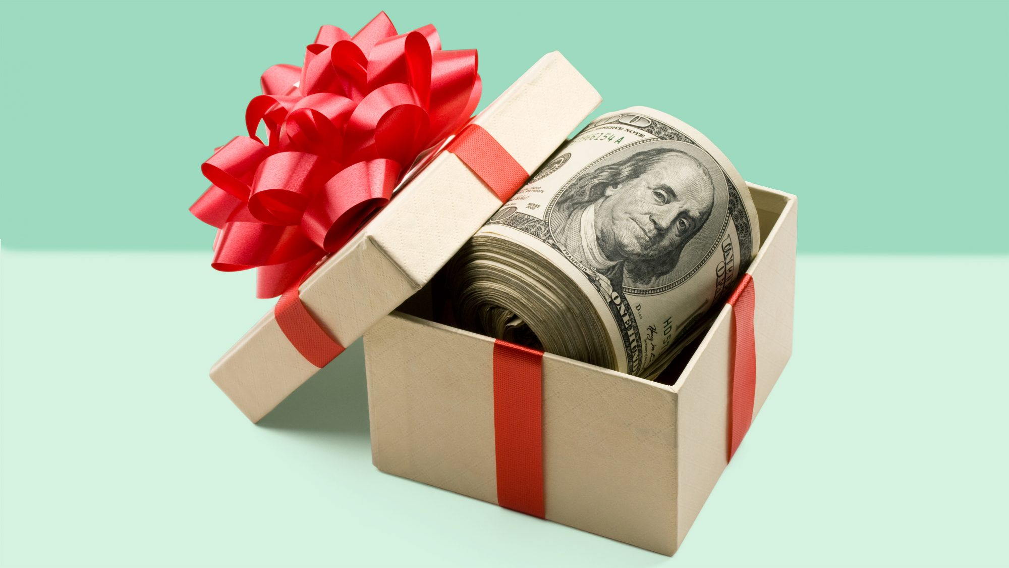 how-to-save-money-during-holidays-tips-advice