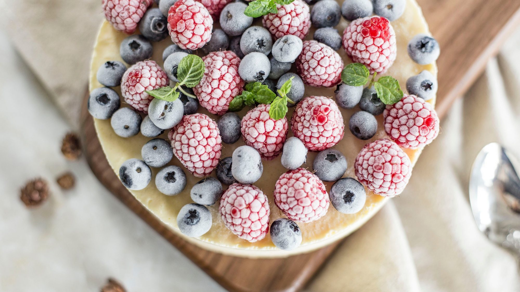 How-to-freeze-desserts: berry tart