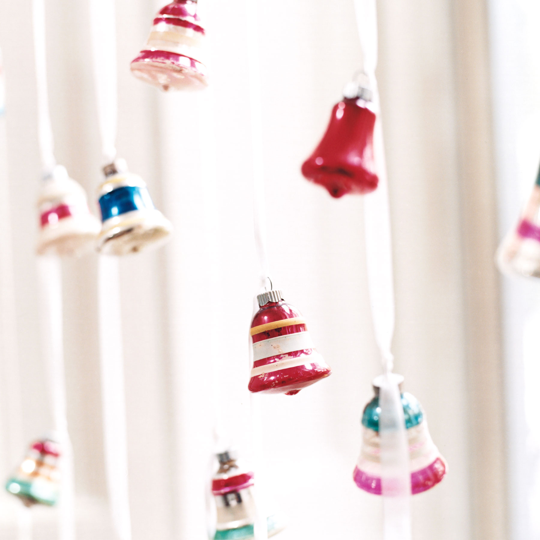 Christmas crafts ideas - Vintage Bells as Modern Window Treatment