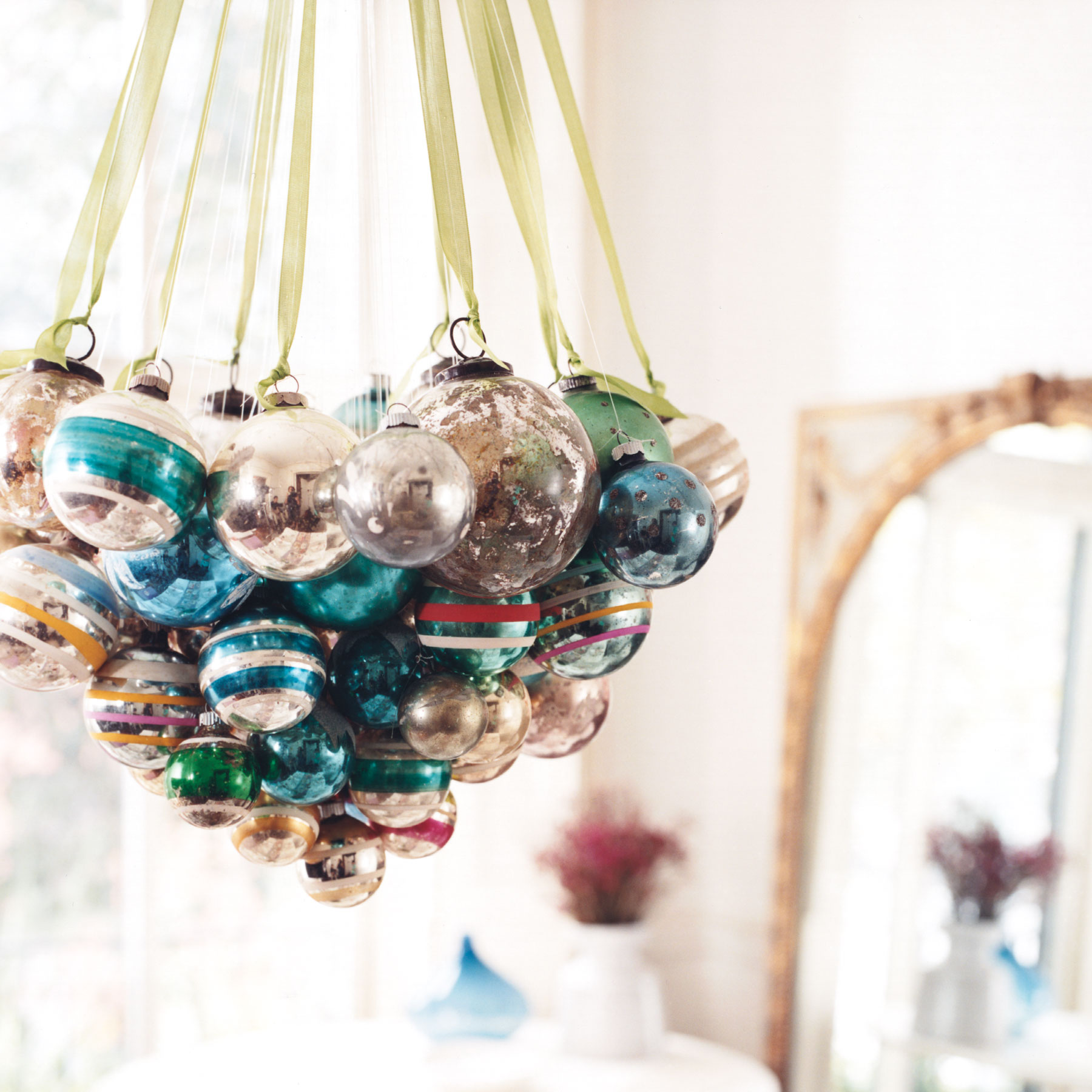 Christmas crafts ideas - Ornament Chandelier