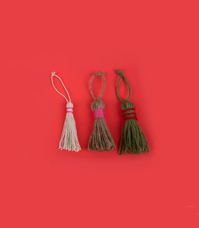 Christmas crafts ideas - Tassel ornaments
