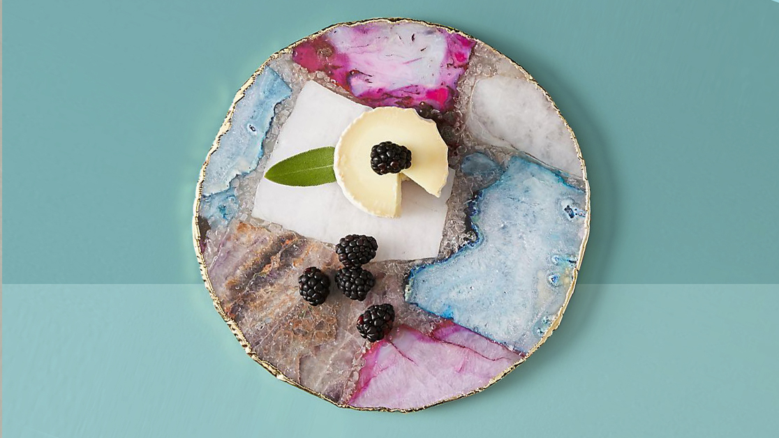 Best hostess gifts host ideas - agate cheese plate on blue background tout