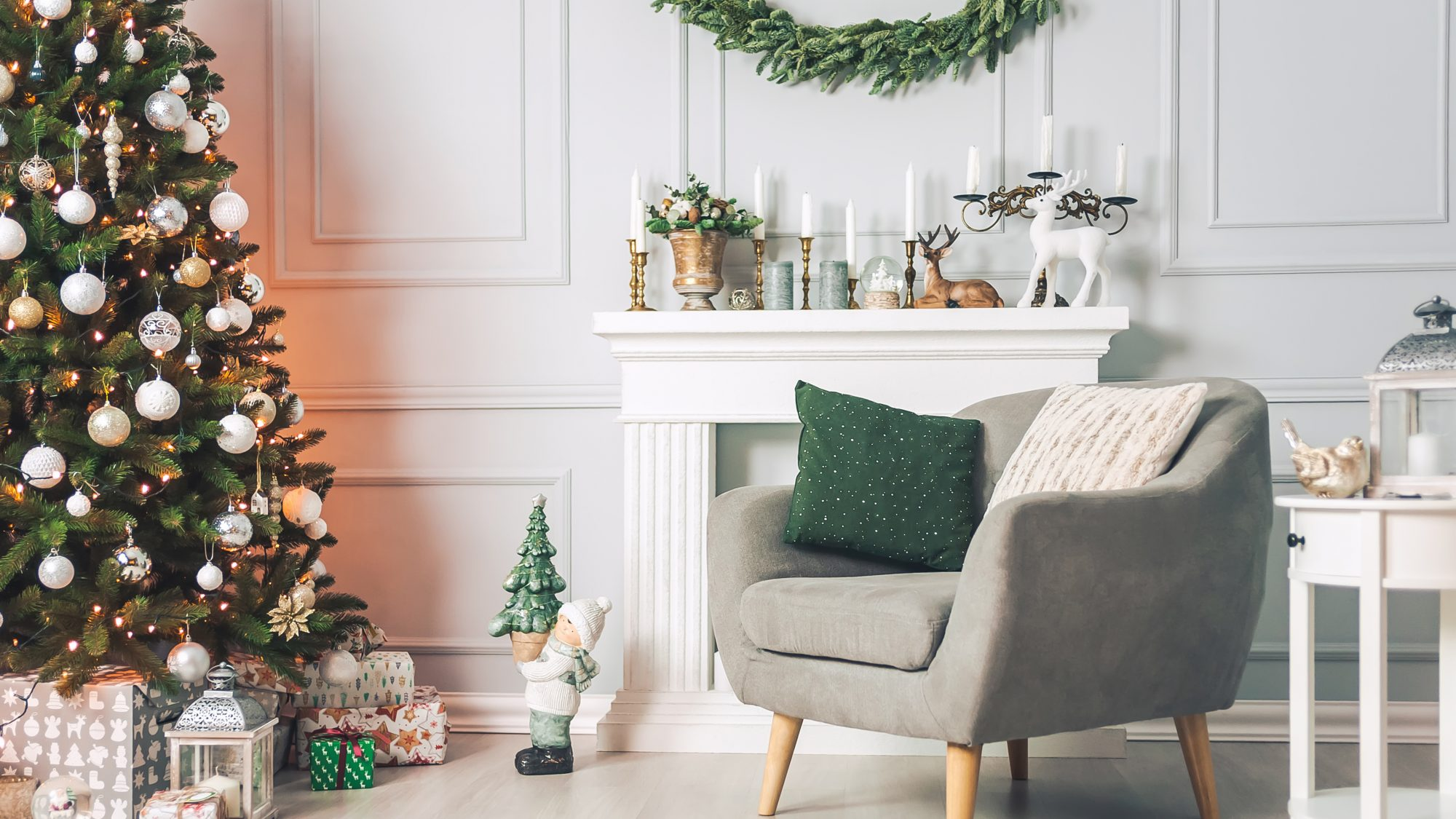 small-space-holiday-christmas-decorating-ideas