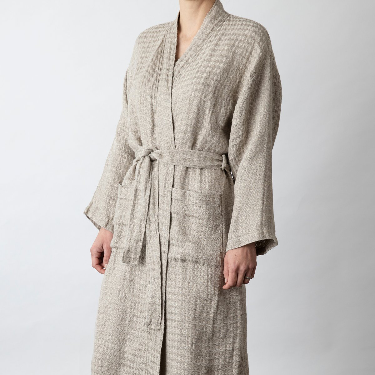 best-gifts-for-best-friend-cultiver-linen-robe