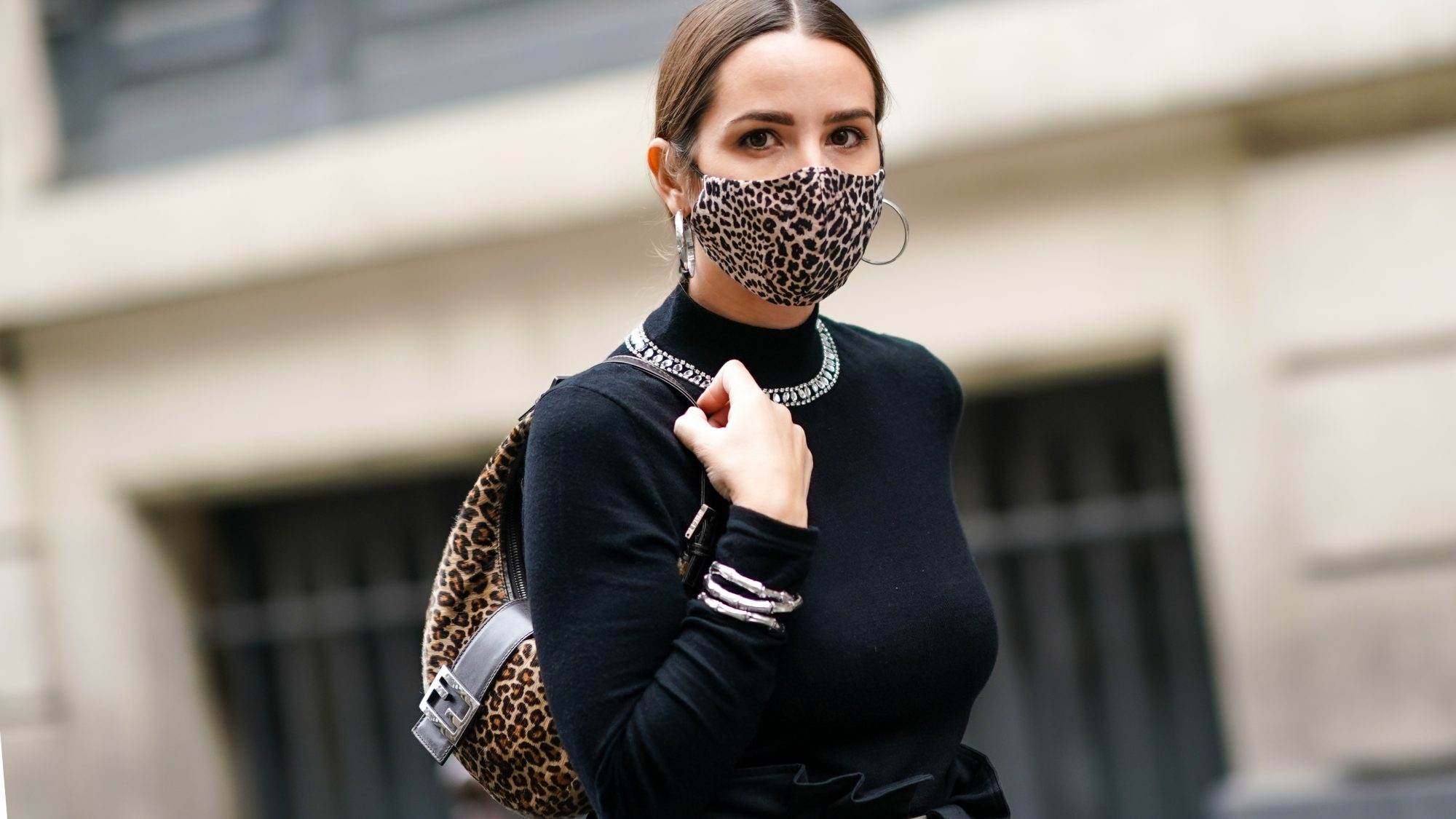 ppe-clothing: woman wearing a face mask