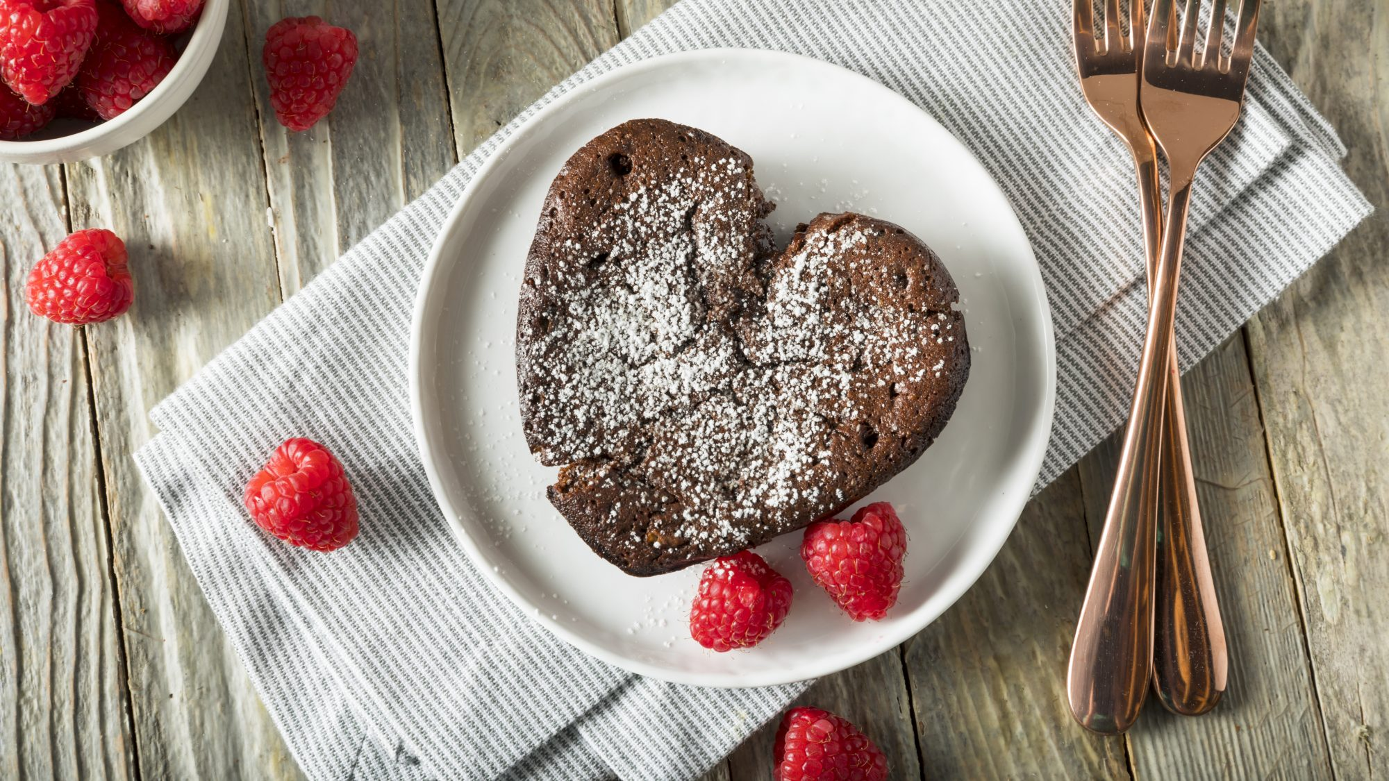 valentines-day-desserts: chocolate souffle with raspberries