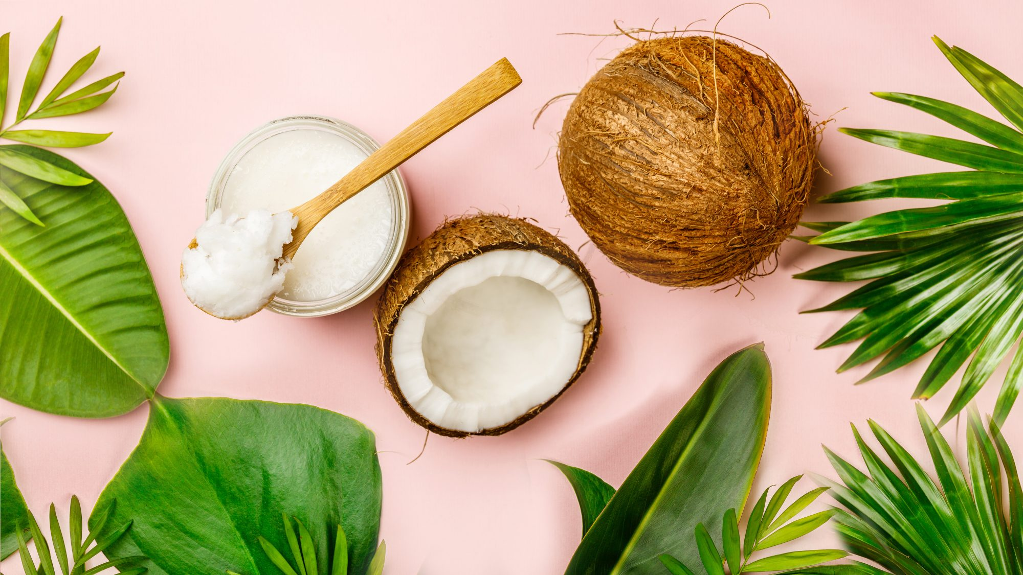 Coconut-health-benefits: coconuts and coconut oil
