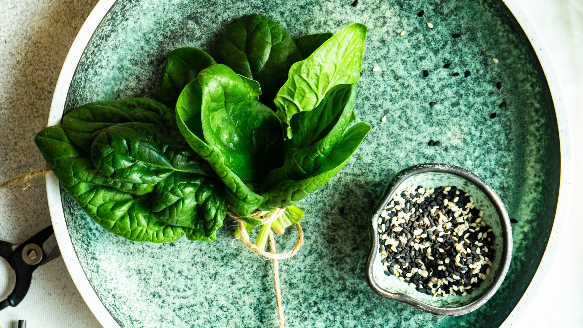 iron-rich-foods: spinach