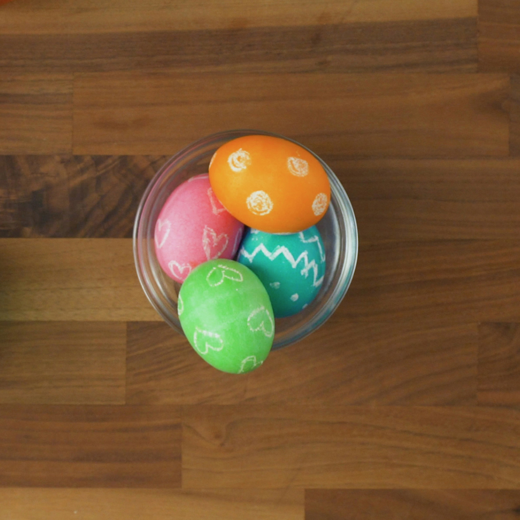Easter egg ideas - Wax Resistant Easter Eggs