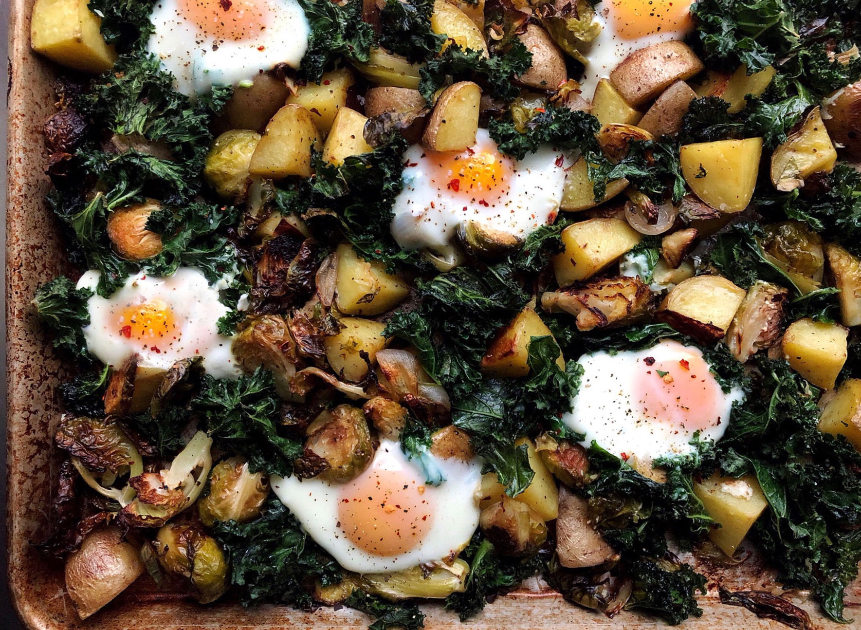 This Roasted Potato and Egg Sheet Pan Brunch Is Perfect for Lazy Weekends