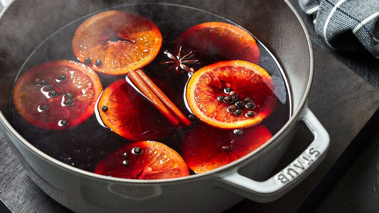 Cinnamon cocktails - Spicy Mulled Wine