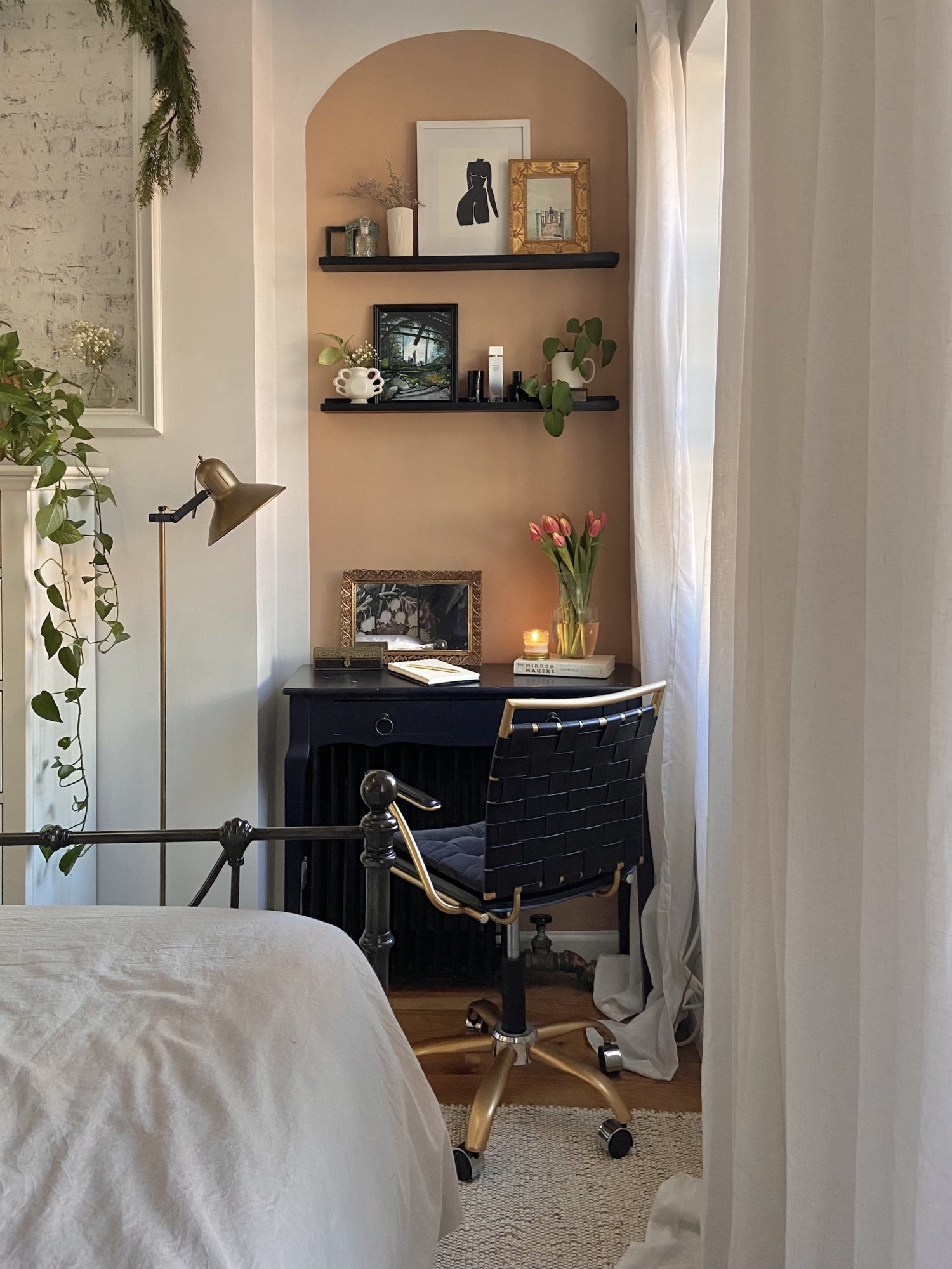 Paint Trends 2021, Painted Arch Behind Desk