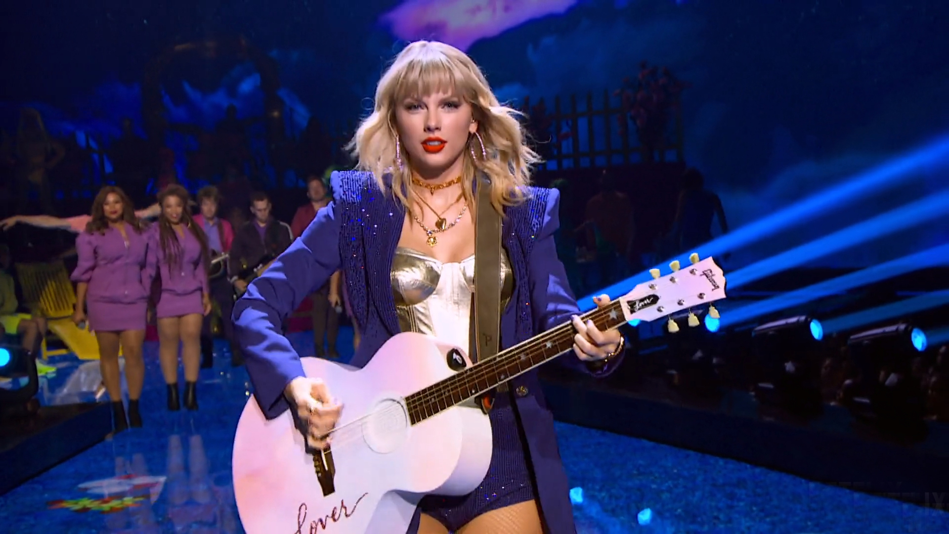 shows-movies-to-watch-with-mom-on-netflix: Taylor Swift, Miss Americana