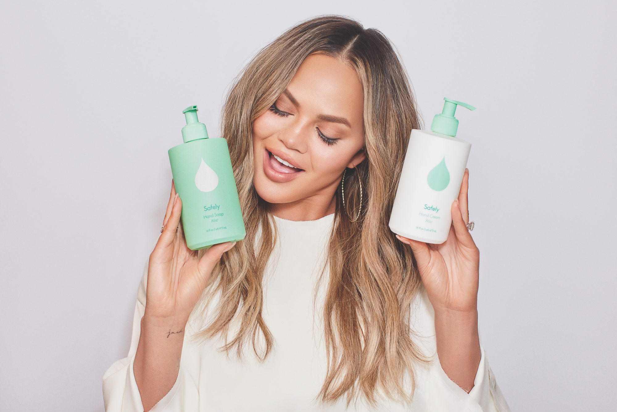 Chrissy Teigen Safely Cleaning Products