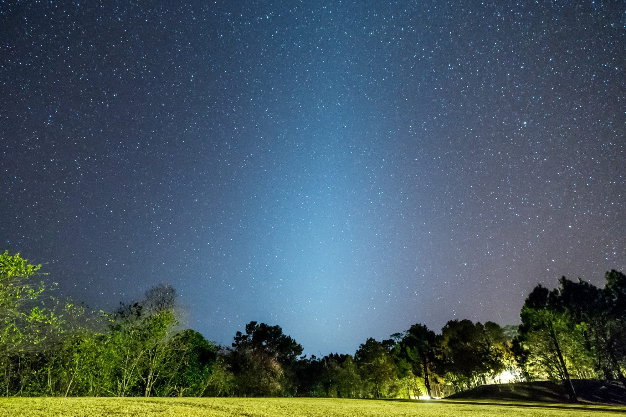 "A ""Zodiacal Glow"" Will Appear in the Night Sky Until April 13"