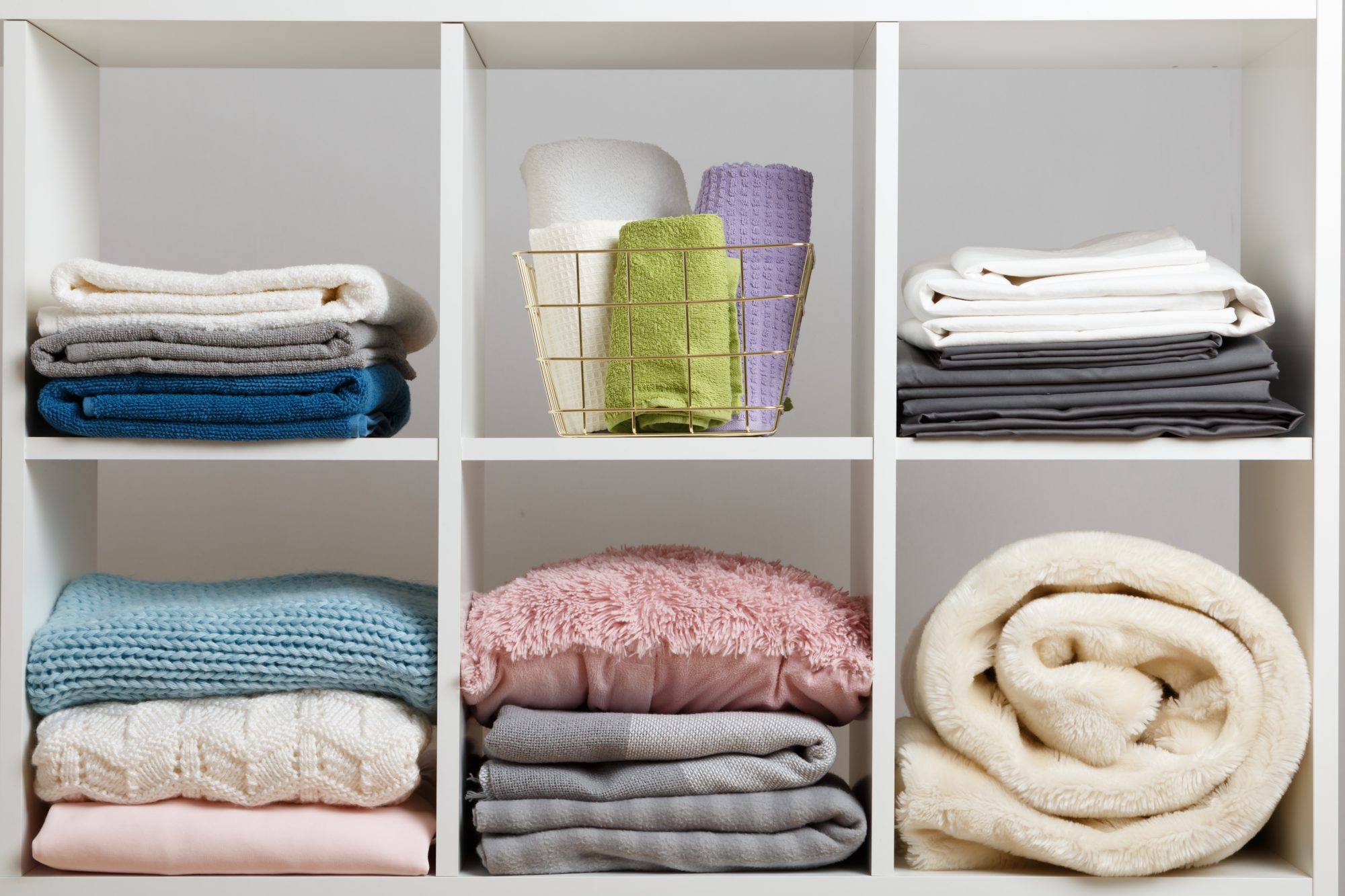 Things to Purge from Linen Closet, organized closet