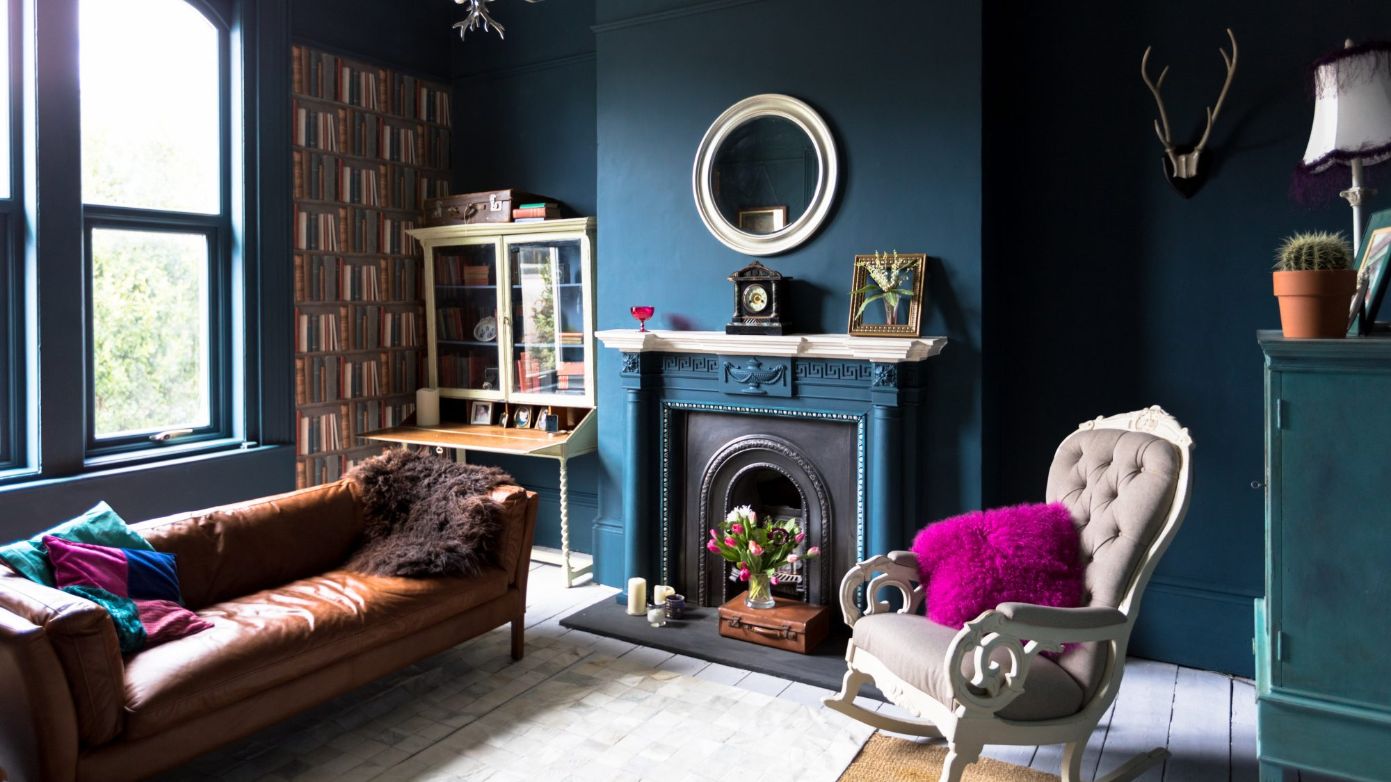 Find Your Personal Home Decor Style, living room with blue paint