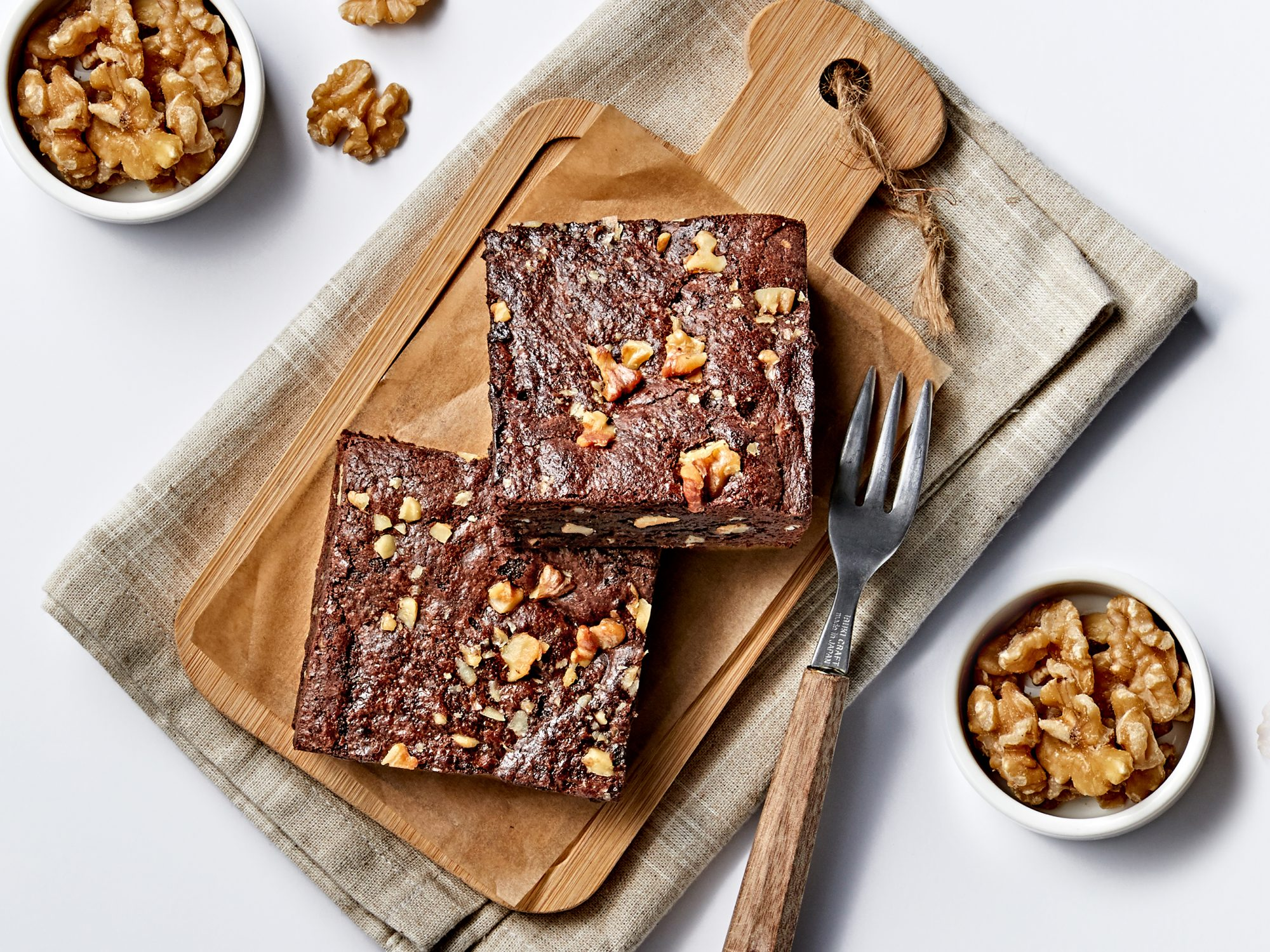 healthy-dessert-hacks: brownies with walnuts