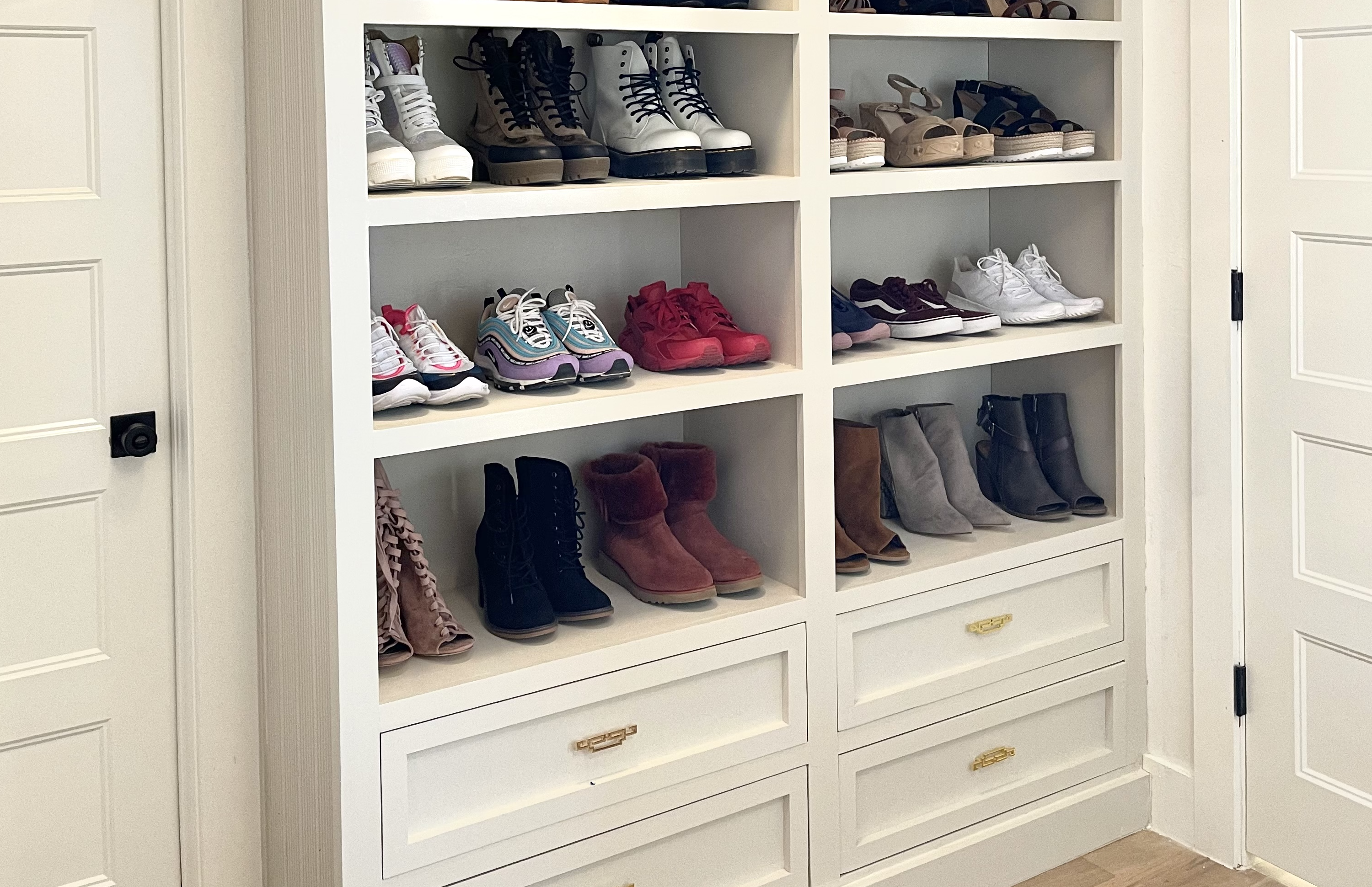 Shoe Storage Wall in closet: space of the week