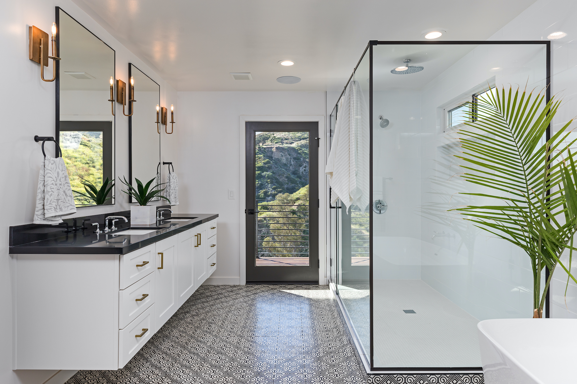 Homebuying Trends 2021, Curbless Shower in modern bathroom