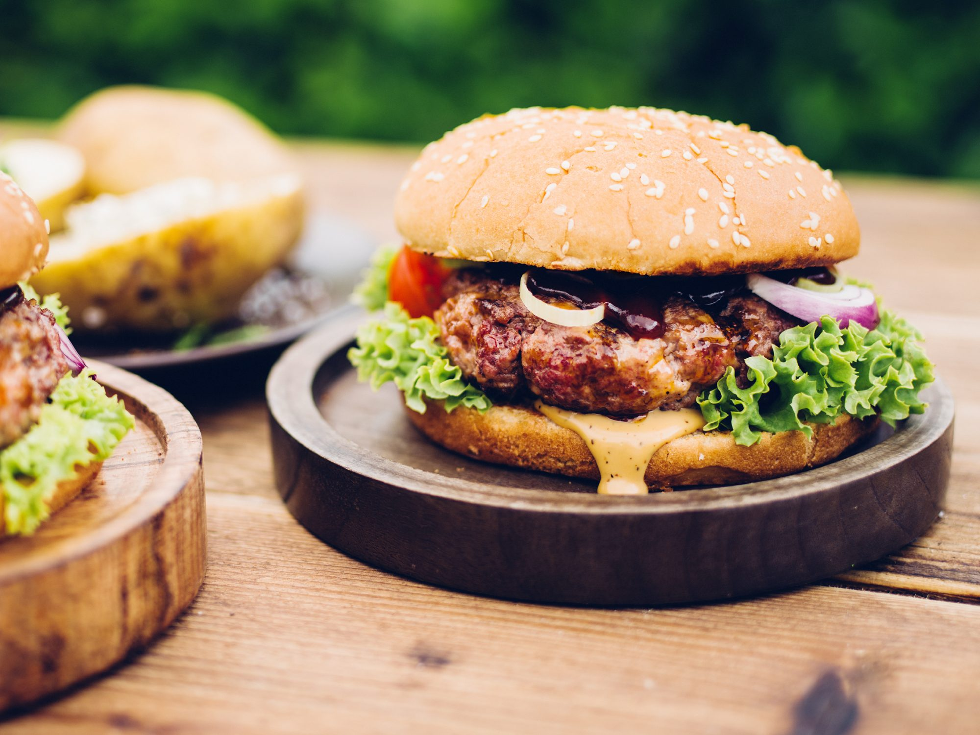 how-to-cook-burgers on the grill