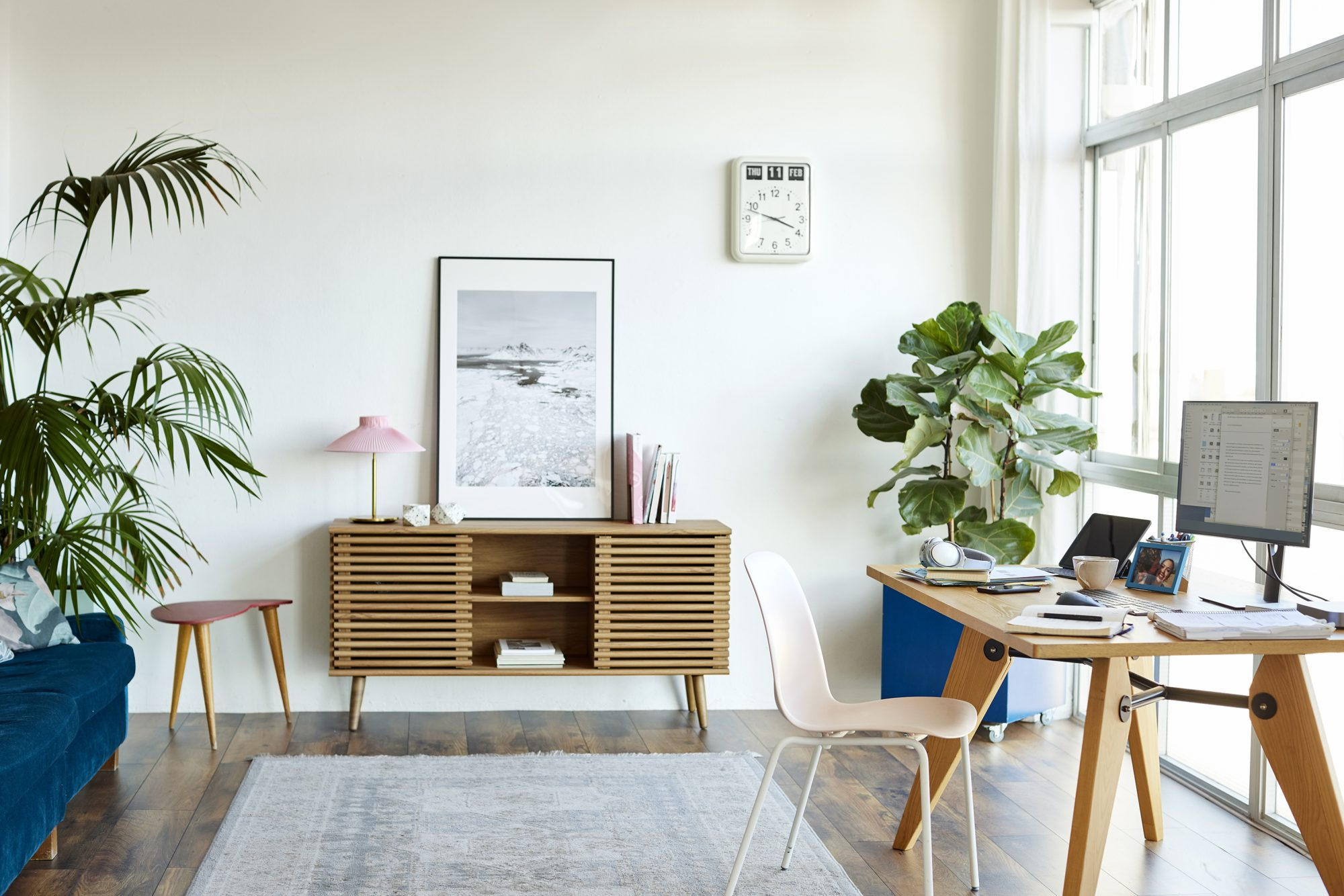 calming-workspace-at-office