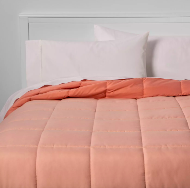 College Packing List, Blush Comforter
