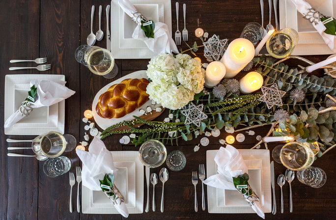 Shining Silver Stars on Natural Holiday Table