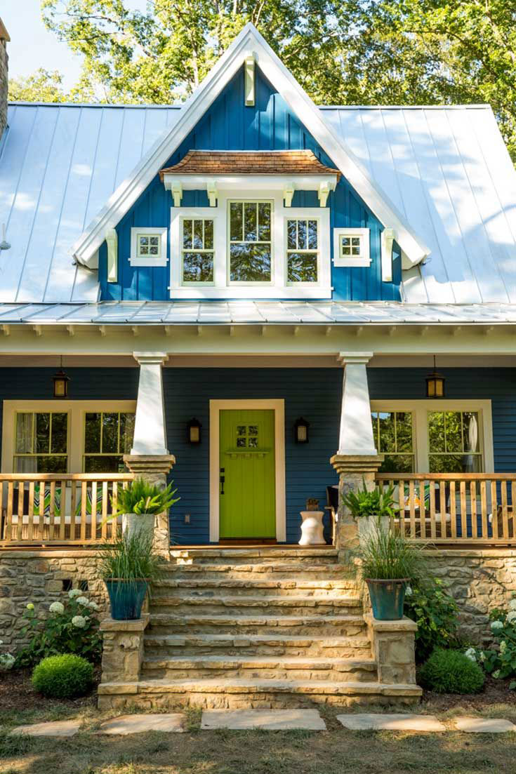 Blue Cottage House in Georgia