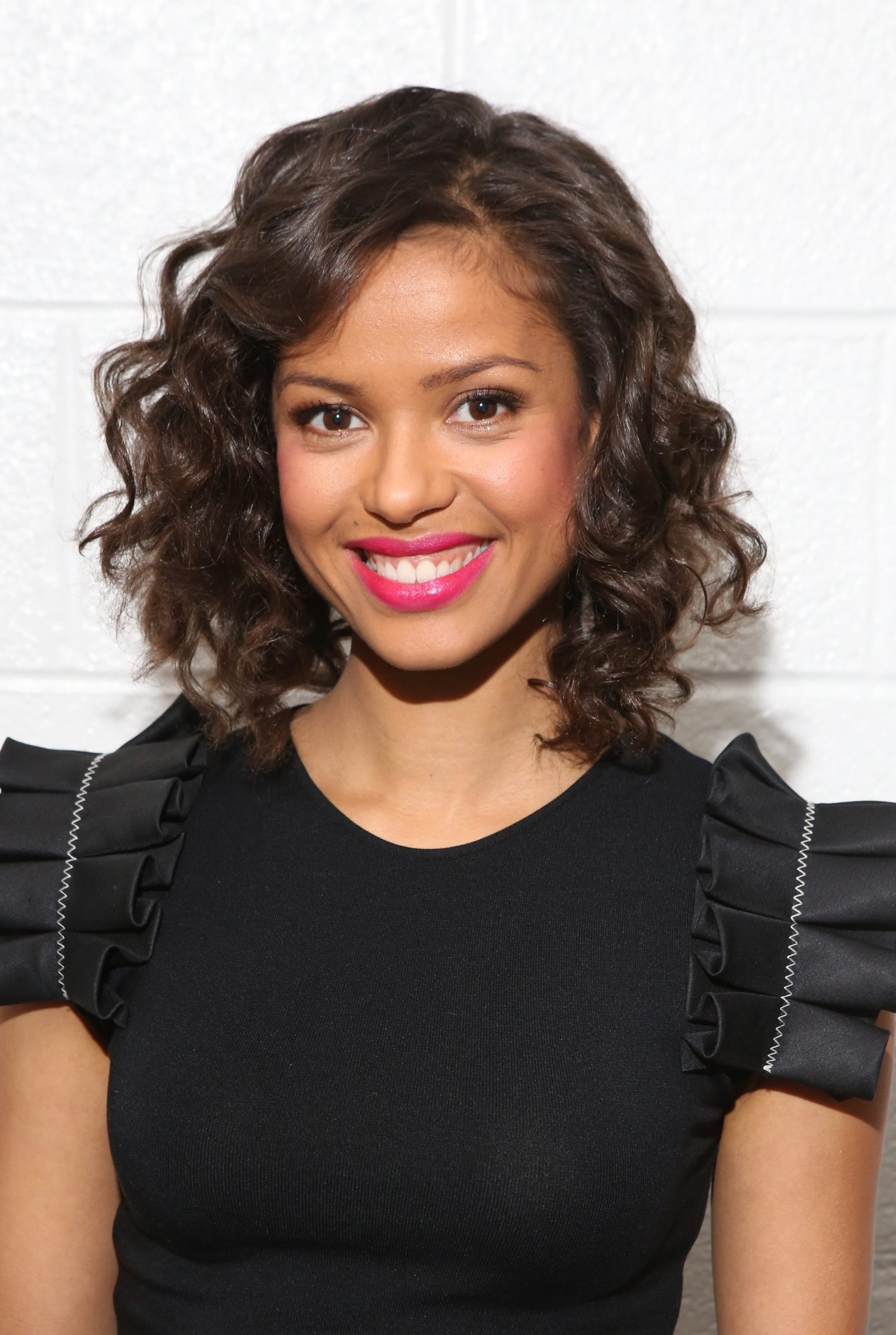 For Curly Hair: Layered Bob
