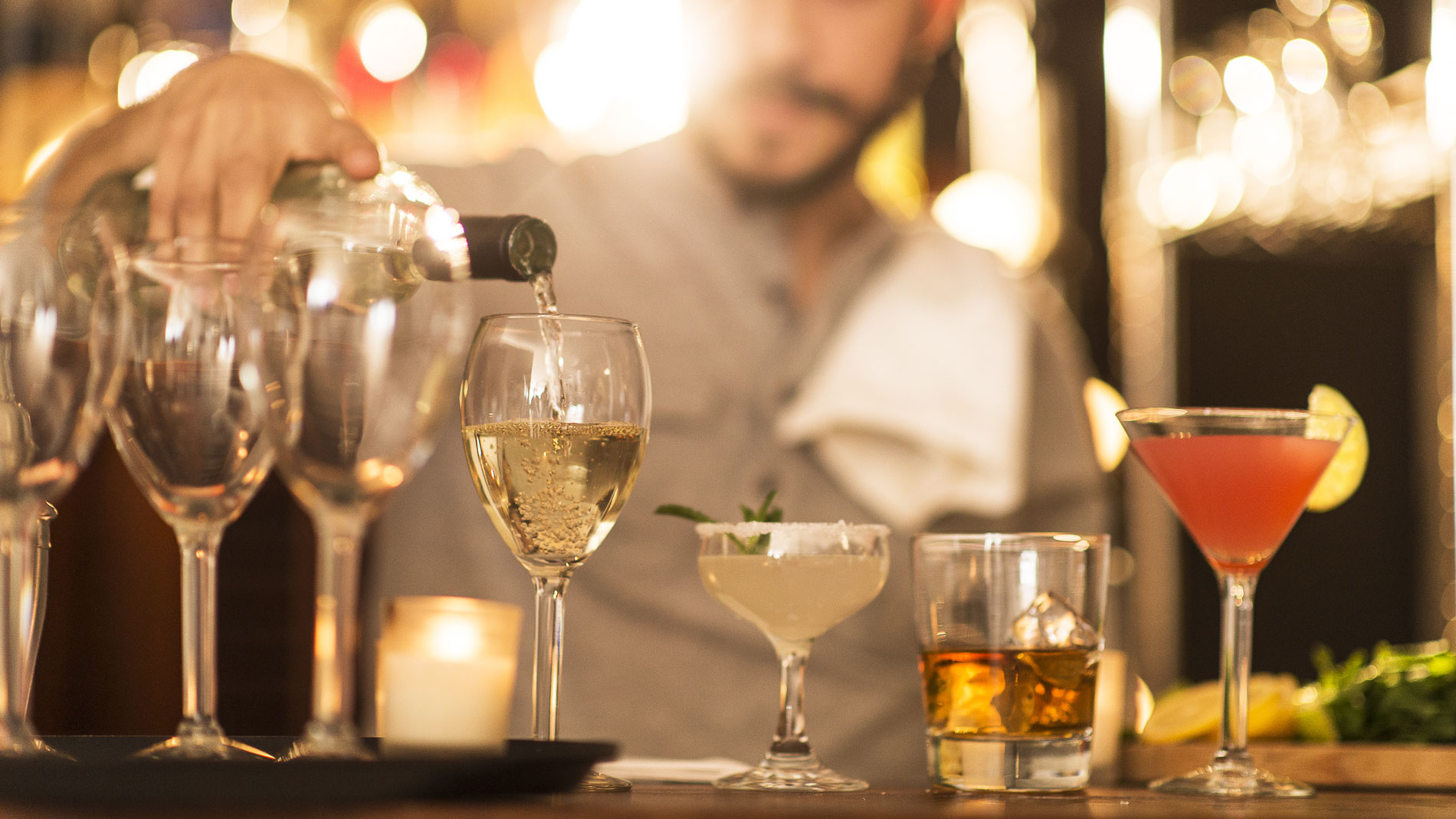 9 Things Bartenders Wish You Knew About Tipping
