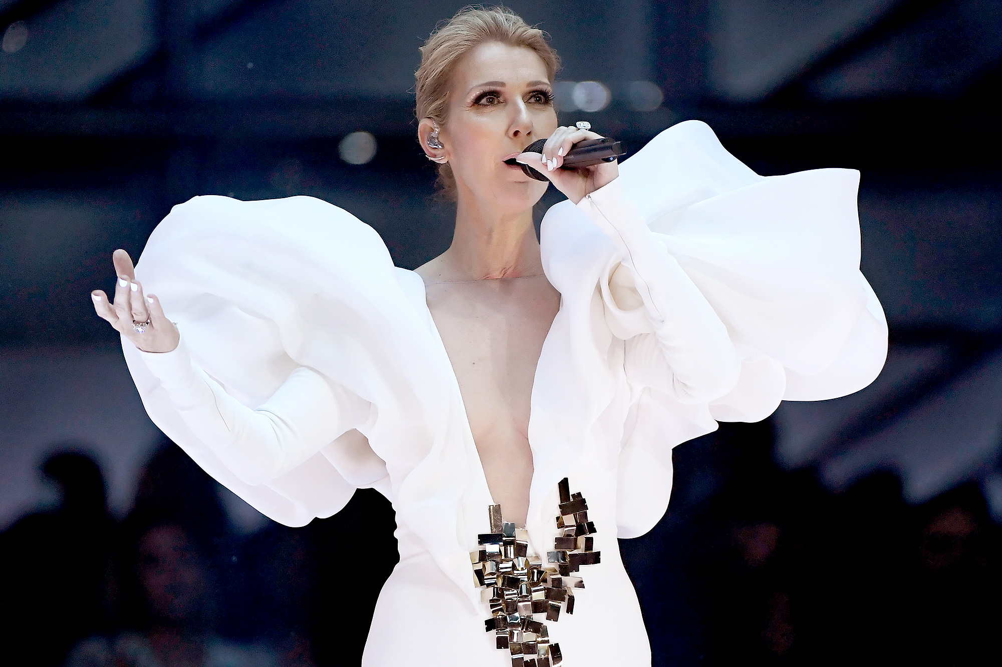 Céline Dion Celebrates 20th Anniversary of 'My Heart Will Go On' with Emotional Billboard Music Awards Performance