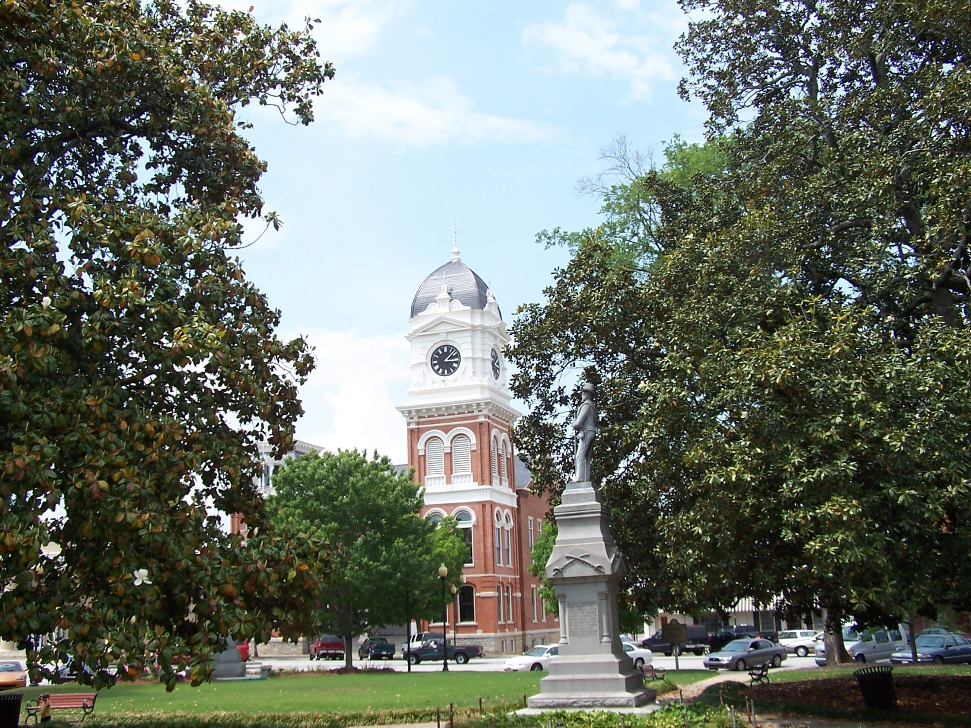 Covington Georgia Statue and Courthouse