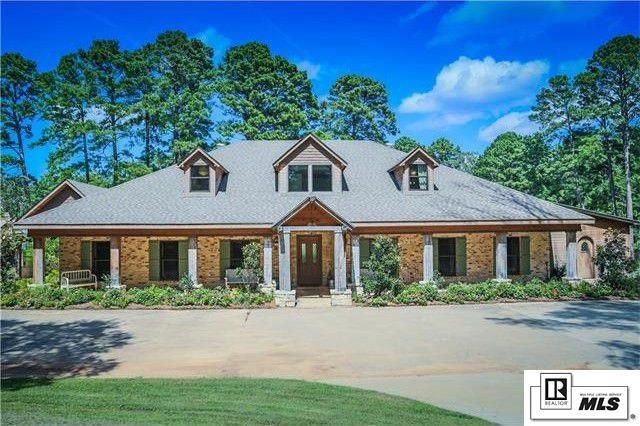 Jep Robertson's Home Has Great Curb Appeal
