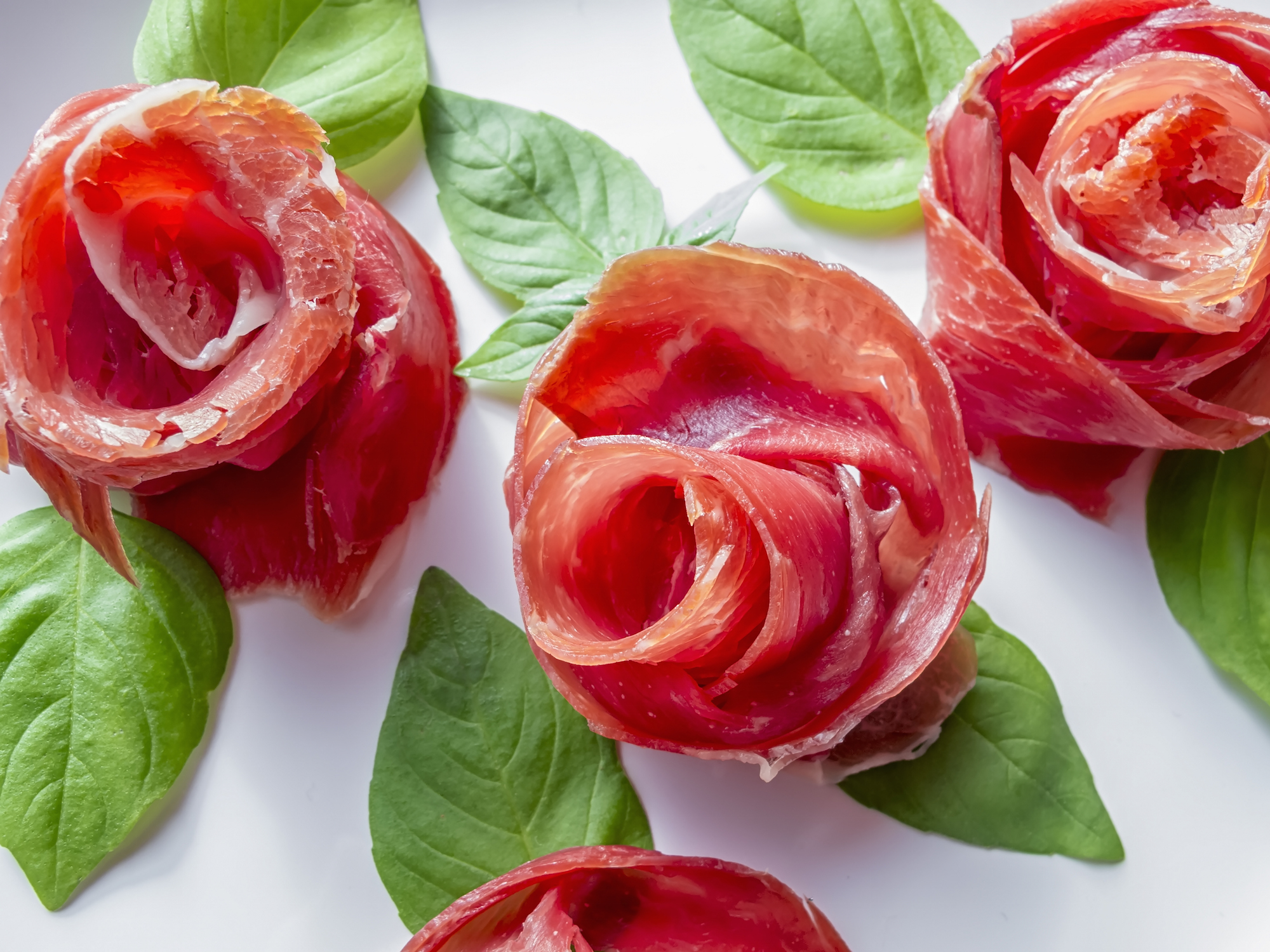 Make Bacon Roses for the Meat Lover in Your Life