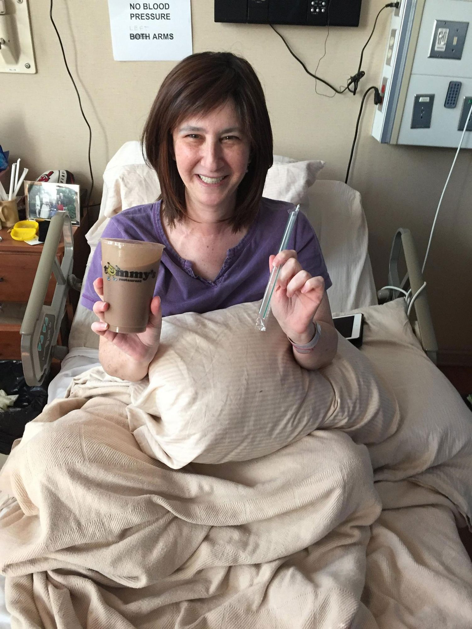 Cleveland Restaurant Sends Mocha Milkshake 375 Miles to Make Woman's Dying Wish Come True