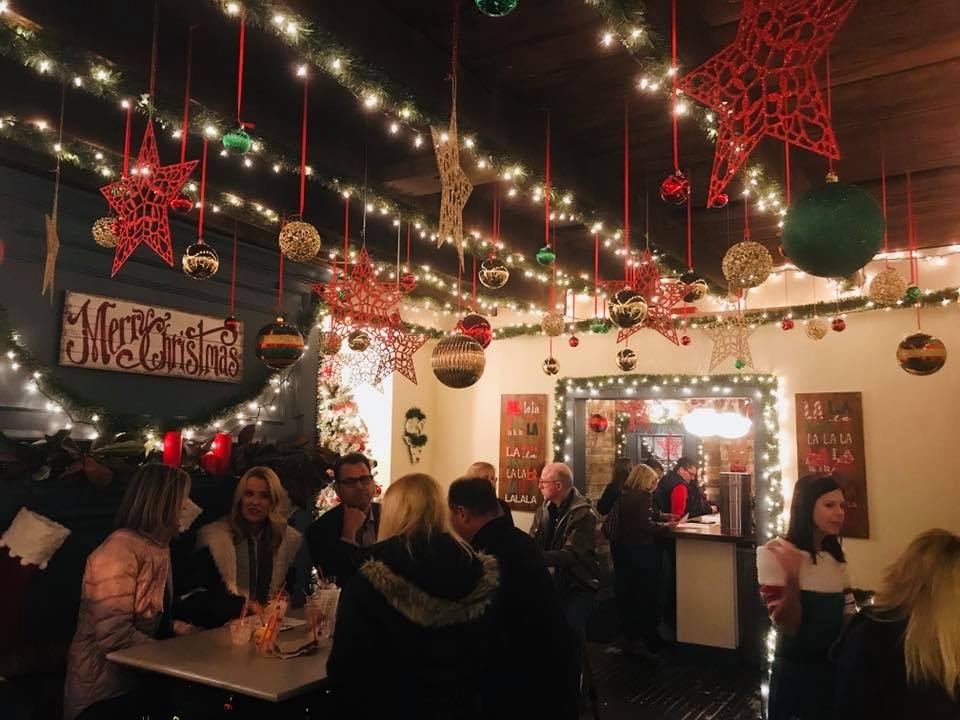 Fa La La Christmas Pop-Up Bar