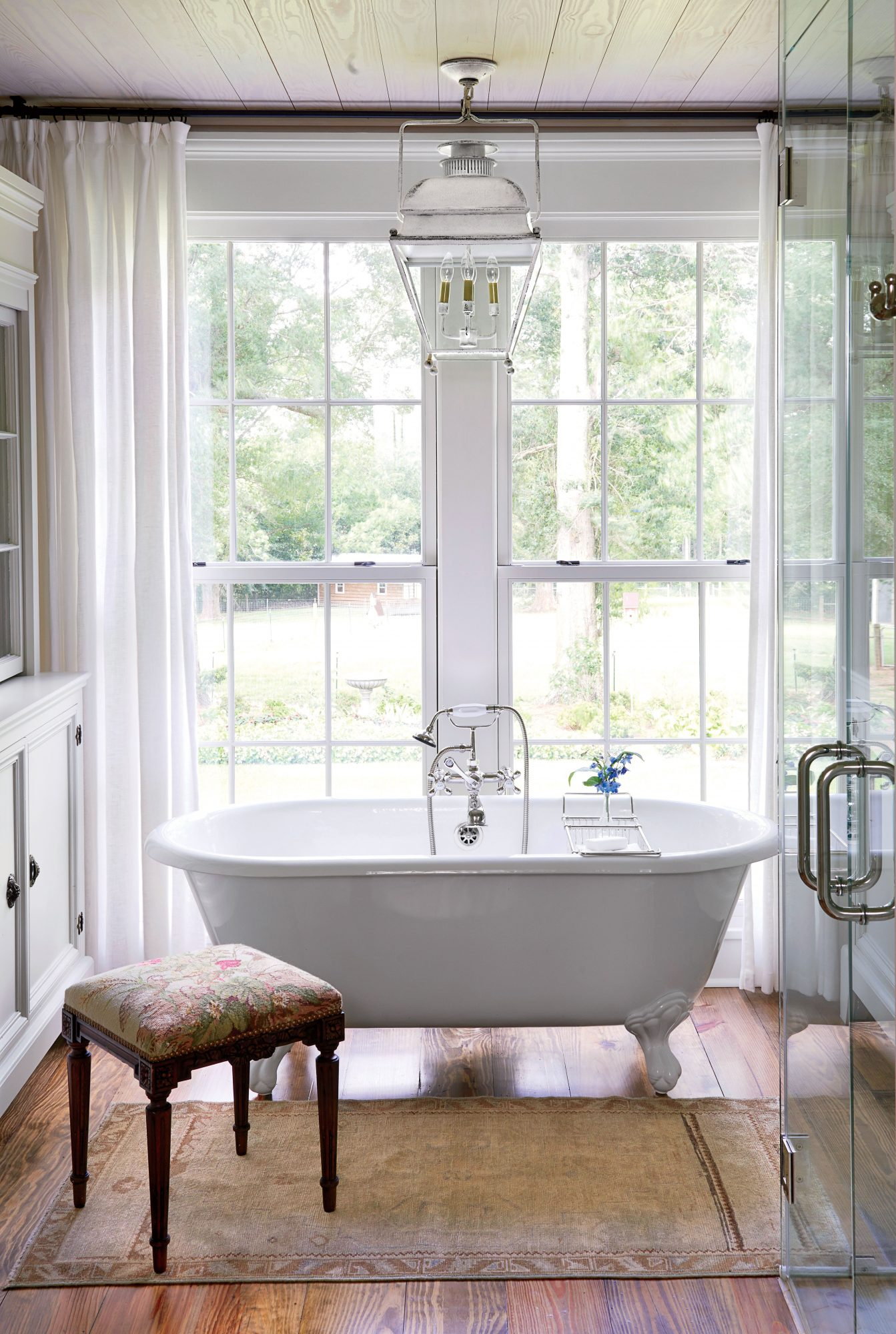 Farmhouse Clawfoot Tub