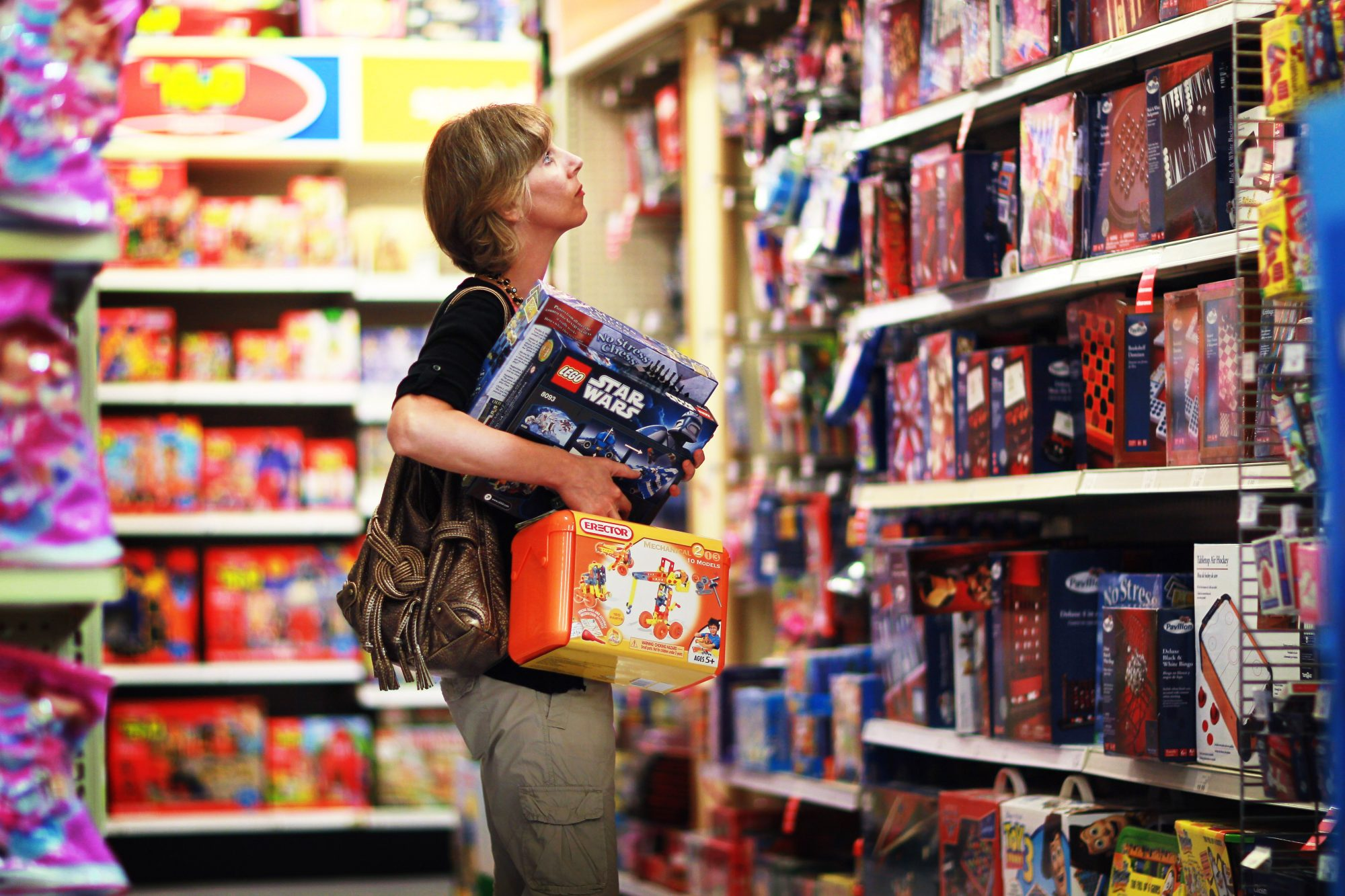 Toy-R-Us To Hire 45,000 For Holiday Work