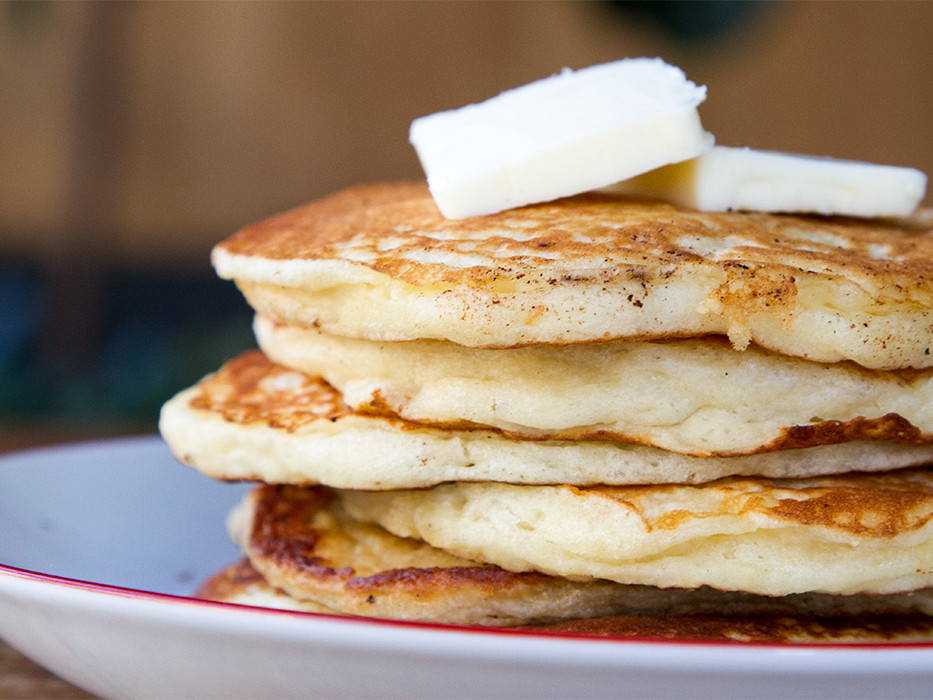 Make Extra-Golden-Brown Pancakes with This Secret Ingredient message-editor%2F1488819061829-extra-golden-brown-pancakes-inline