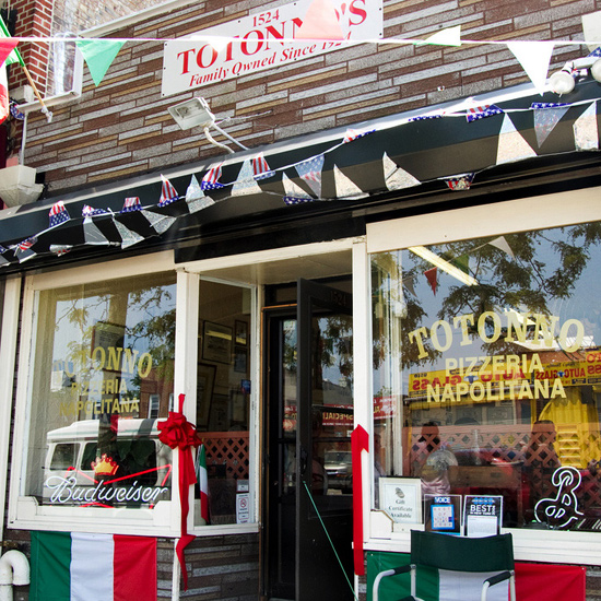 Best Pizza Places in the U.S.: Totonno's in New York City