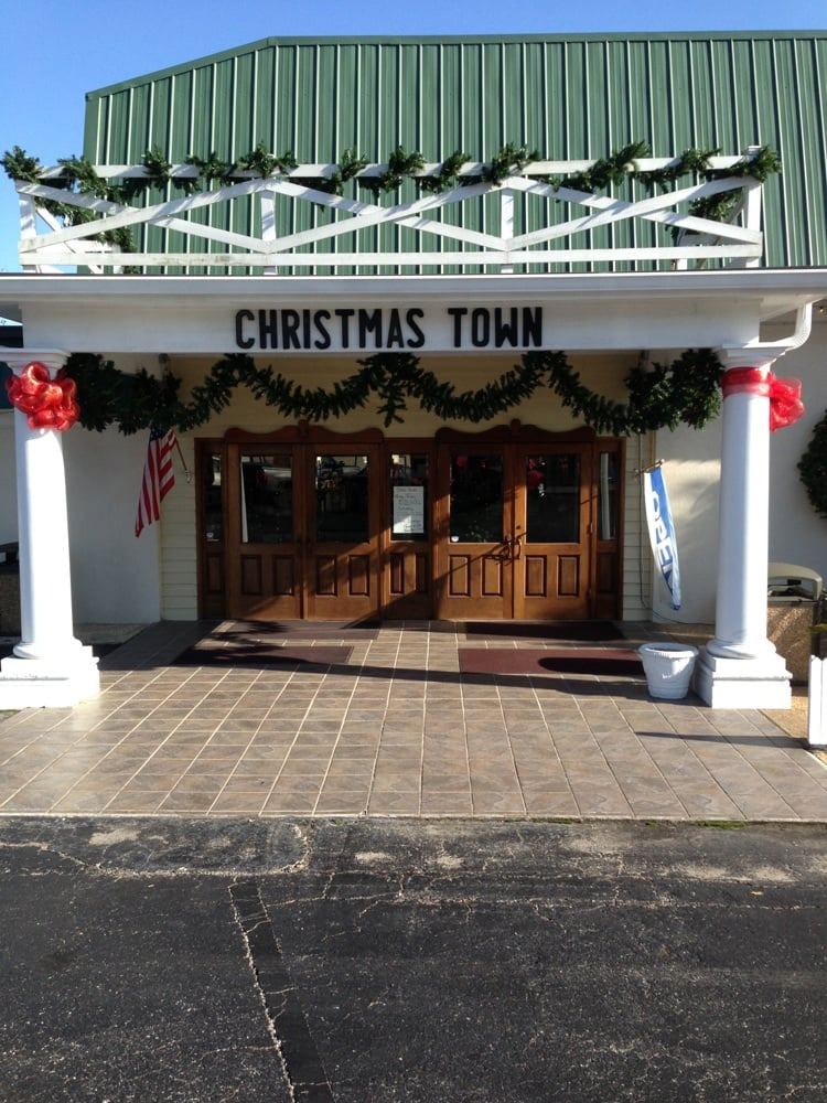 Christmas Shops Open All Year Long Robert Moore & Co. Christmas Town & Village Collectibles