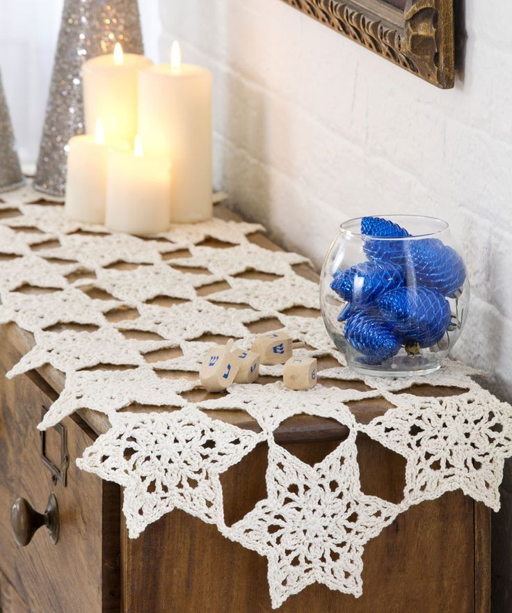 Relaxed Star of David Table Runner